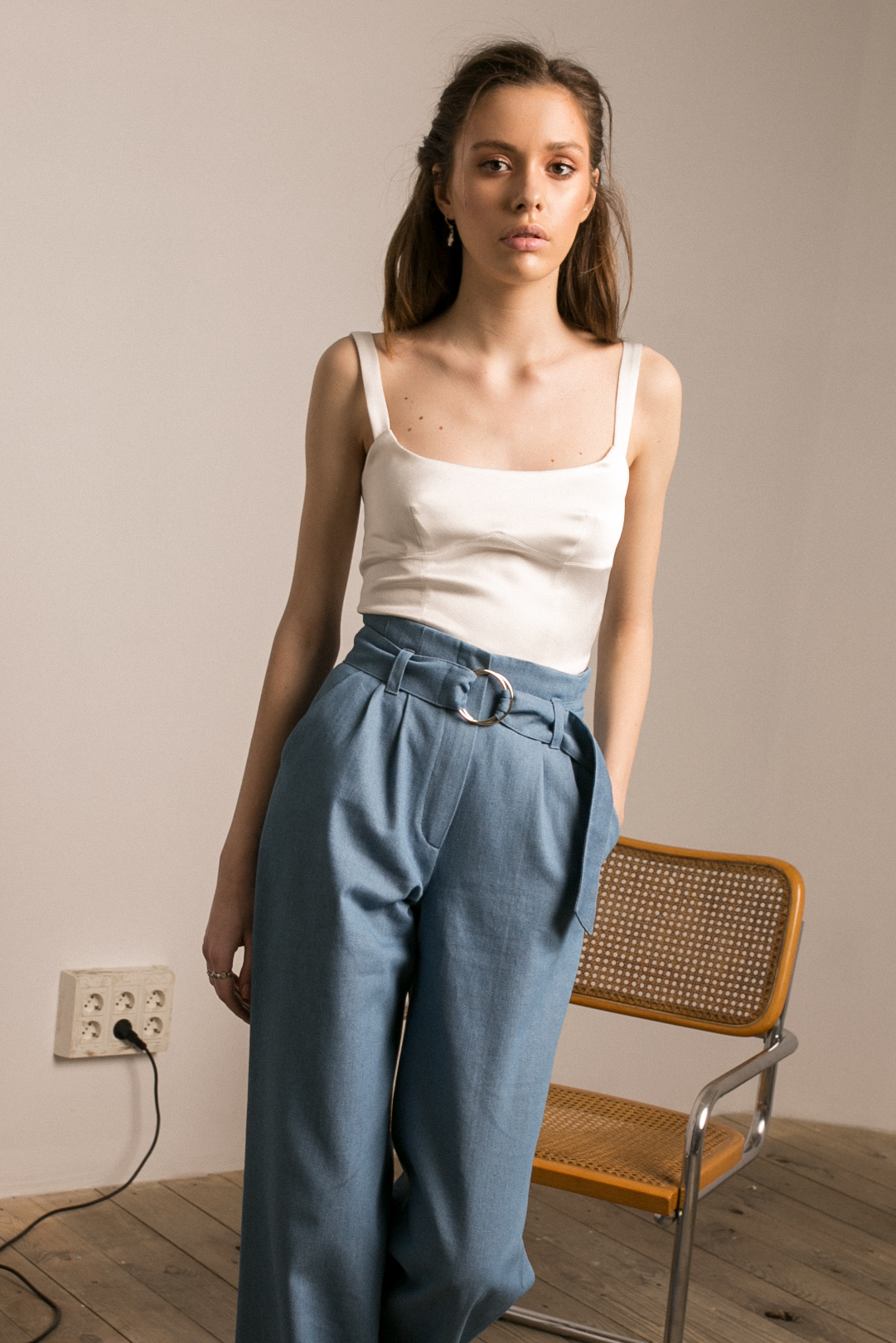 WHITISH BUSTIER & PAPERWAIST JEANS