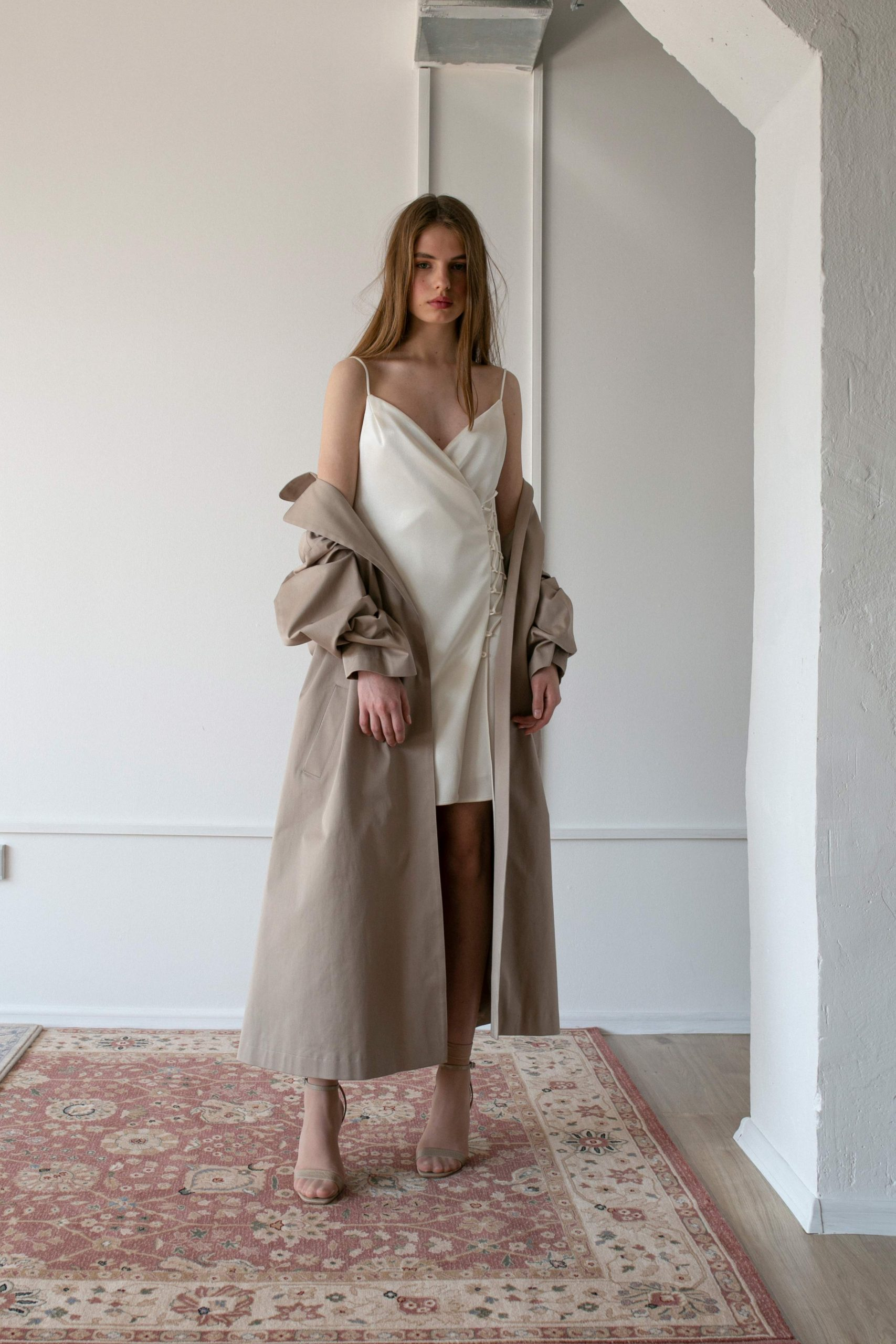 RAQUETTE SS20 - Moondust trench / Starlight cady dress